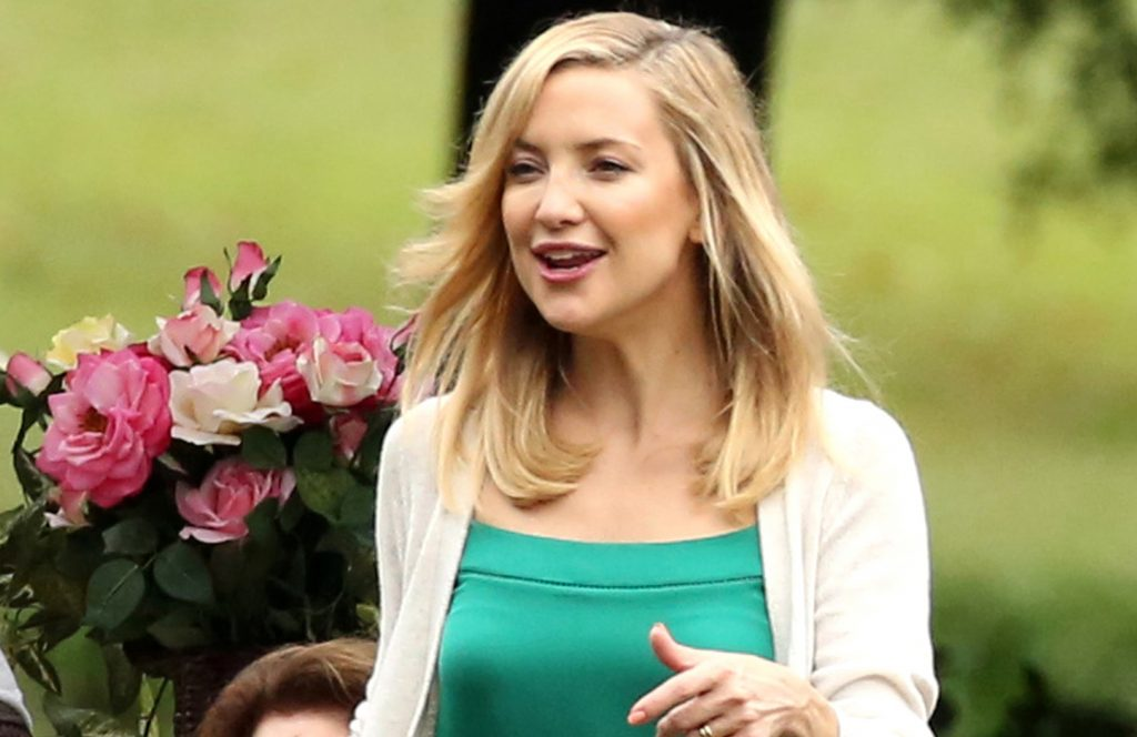 """Atlanta, GA - Actress Kate Hudson is all smiles as she films on set in humid Atlanta for her new film """"Mother's Day"""". Camera crews were spotted filming scenes at a park. AKM-GSI September 28, 2015 To License These Photos, Please Contact : Steve Ginsburg (310) 505-8447 (323) 423-9397 steve@akmgsi.com sales@akmgsi.com or Maria Buda (917) 242-1505 mbuda@akmgsi.com ginsburgspalyinc@gmail.com"""